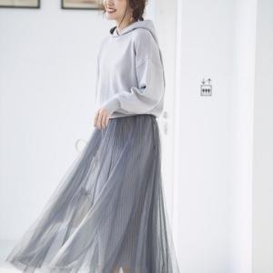 鈴木愛理さん着用のチュールスカート付フードニットアップが可愛い♪