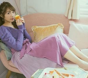 【櫻坂46】渡辺梨加さんのかわいさ溢れ出す♡ ニット×フレアースカートコーデ