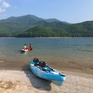 かなやま湖でカヤックキャンプ