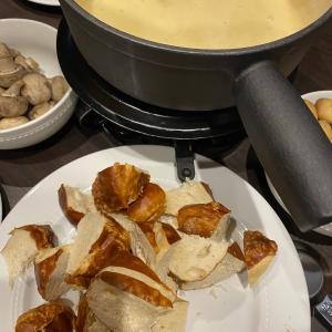 ラデュレのガレットデロワ、チーズフォンデュ
