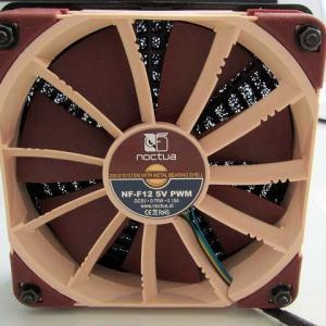 Mac mini 熱対策 2 Noctua NF-F12 5V PWM使ってみた