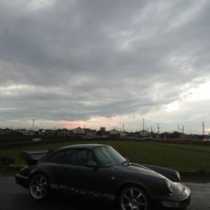 朝7時にはまだまだヘッドライトを着けて車が走らなくてはならなかった本日!出張中に何度も変わった気候!