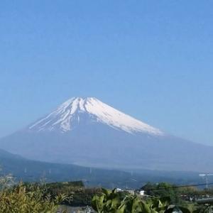 メッチャ暑い日が続いた昨日と本日!初夏の雰囲気の中で仲間から送られて来た富士山の写真を見て・・・・