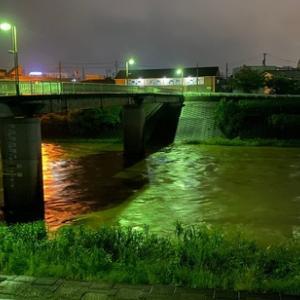 恐怖にも感じる大雨が降った昨日の夜中は昨年の記憶が甦り緊張。早目に止んでホッとしていた後に驚きの出来事が!!