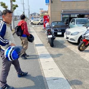 そして連休中2組目のバイク仲間は!昨日も全日本選手権で優勝をしたヤマハR1の開発ライダーのとっきーと甥っ子さん!!