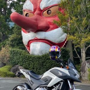 世界一のヘルメットを世界一のペインターがカスタム!新たなサイズとなったヘルメットのテストにあの大天狗さんの元へ!!