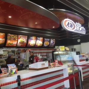 沖縄A&Wハンバーガーショップ