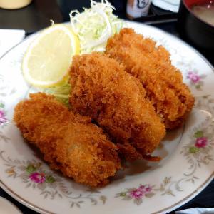 原木中山の福徳食堂でカキクリーミーコロッケ