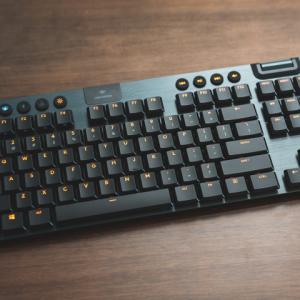 ロジクール 『G913 TKL』 レビューチェック ~薄型・無線・TKLのゲーミングメカニカルキーボード