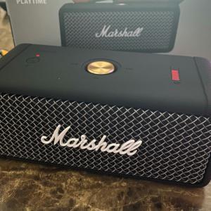 Marshall 『EMBERTON』 レビューチェック ~全方位サウンドを特徴とするポータブルBluetoothスピーカー