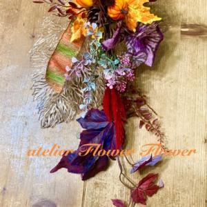 飾り替えが苦手な方も大丈夫!大人な秋のハロウィンの壁飾りレッスンスタート!