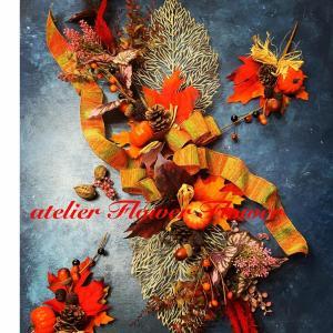 今年のハロウィンは、自分で華やかに大人っぽい花飾り作りませんか?