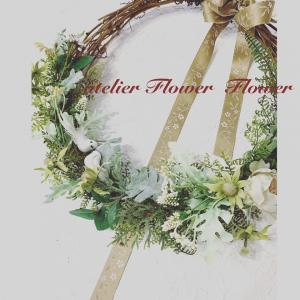 永遠の愛の意味をもつ花飾りでお迎えしましょう!