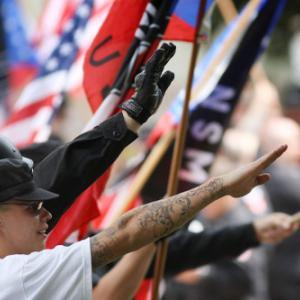 トランプ共和党の危険な極右化