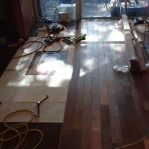 床貼り 4日目
