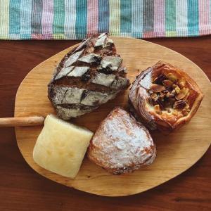 THE TERRACE BAKERYのパンと沖縄の冬服