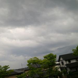 梅雨空 憂鬱な事