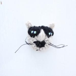 NekoKnitさんの猫ブローチ
