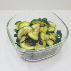 5/27塩昆布と!簡単ズッキーニの浅漬け、大好きな南蛮漬けは茄子と新玉葱で