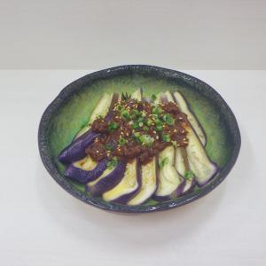 9/18蒸し茄子肉味噌がけ、コクあり♫マヨネーズ入りきんぴらごぼう、焼き加減ヨシ!鰤照り焼き