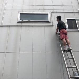 換気設備チェック 「回転窓」は英語で?