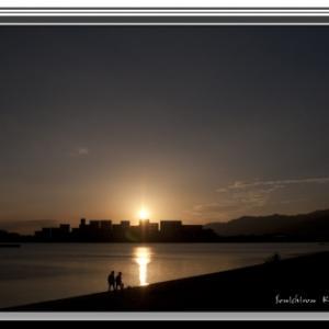 黄昏の浜辺