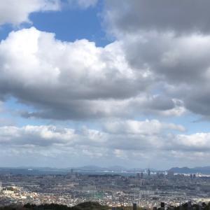 山を眺め、空を見て、風を感じる