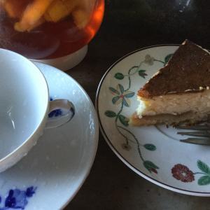今朝はニューヨークベークドチーズケーキ