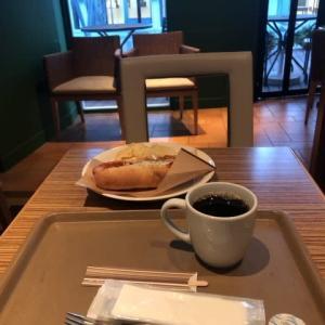 朝ごはんとランチと口紅