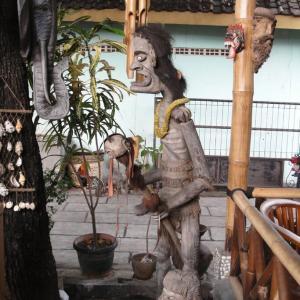 2010インドネシア:喫茶店にて雨宿り