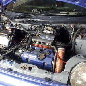 かろうじて、エンジンはかかります。