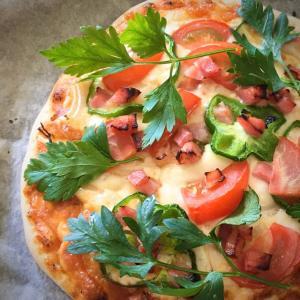 生地から作るピザはやっぱり美味しい。