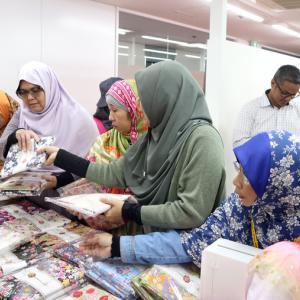 ASEAN諸国向け越境EC、第1弾「和柄ヒジャブ」をムスリムコミュニティの方にアンケート実施