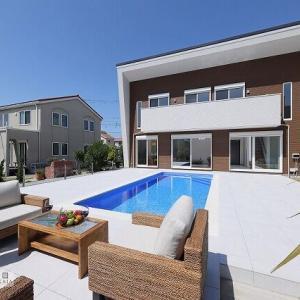 マジラインプール リゾート型プール付き住宅 プールカンパニー