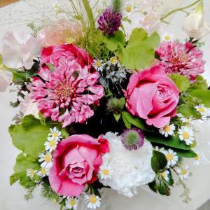 【感謝♡ななころ♡からお誕生日に素敵なお花を頂きました(≧▽≦)】