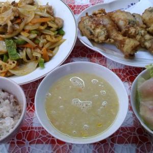 バジルのフライドチキンと酢豚でお昼ご飯。
