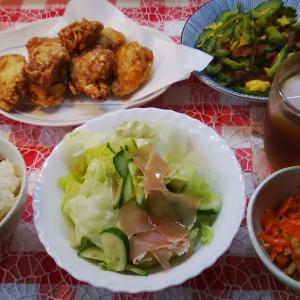 骨付き鶏の唐揚げとゴーヤーでお昼ご飯と庭の冬瓜収穫。