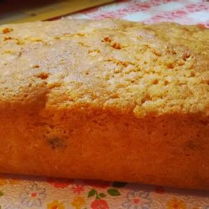 白花豆と甘納豆のパウンドケーキ。