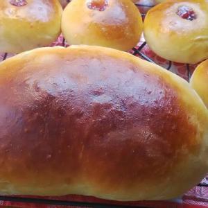 甘納豆パン。