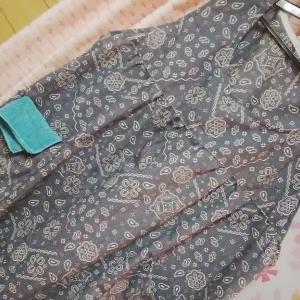 久々に縫物‥かぶるタイプの手作りエプロン。