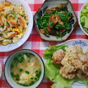 鶏唐揚げのような車麩揚げとゴーヤー炒めでお昼ご飯。
