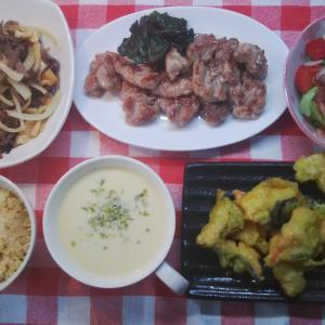 トンテキと秋鮭のカレーフリッターでお昼ご飯。