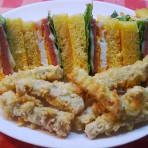 鮪スティクと・・ポーク卵サンドで朝食。