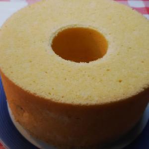 バニラと蜂蜜のシフォンケーキ。