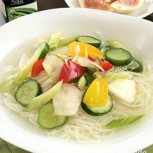 水キムチはやっぱりククスで♪味のアクセントは韓国産の青唐辛子パウダー!