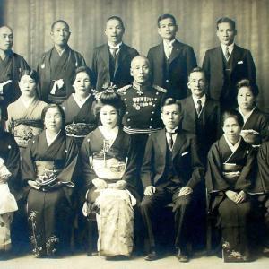河村家の人々7(一族の結婚式写真)