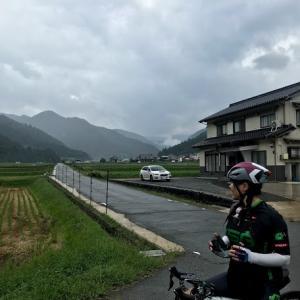 天気予報は曇り、所に雨が降るでしょう・・・その所に居たわけだ
