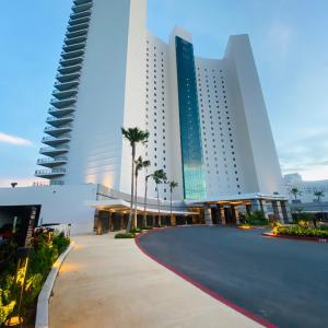 グアムなのにラスベガス⁇ ラグジュアリーホテルの噴水ショー TSUBAKI