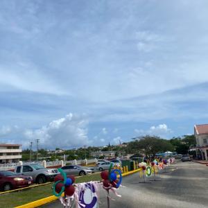 グアムで子育て。ドライブスルー終業式‼︎