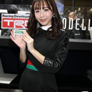 竹下ひとみ さん(TRD / モデリスタ ブース)